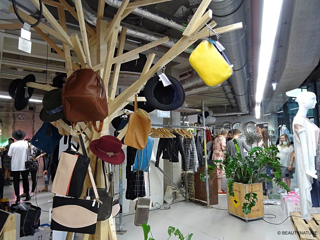 Fashion Blogger Cafe 10-min
