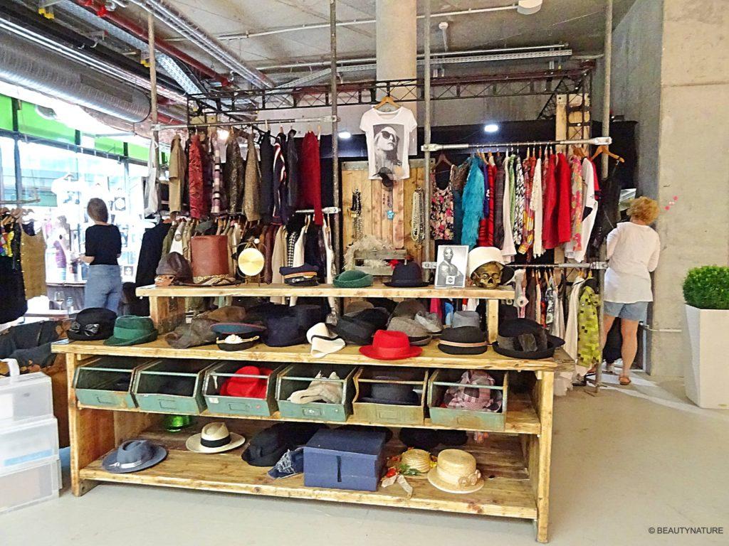 Fashion Blogger Cafe 2-min