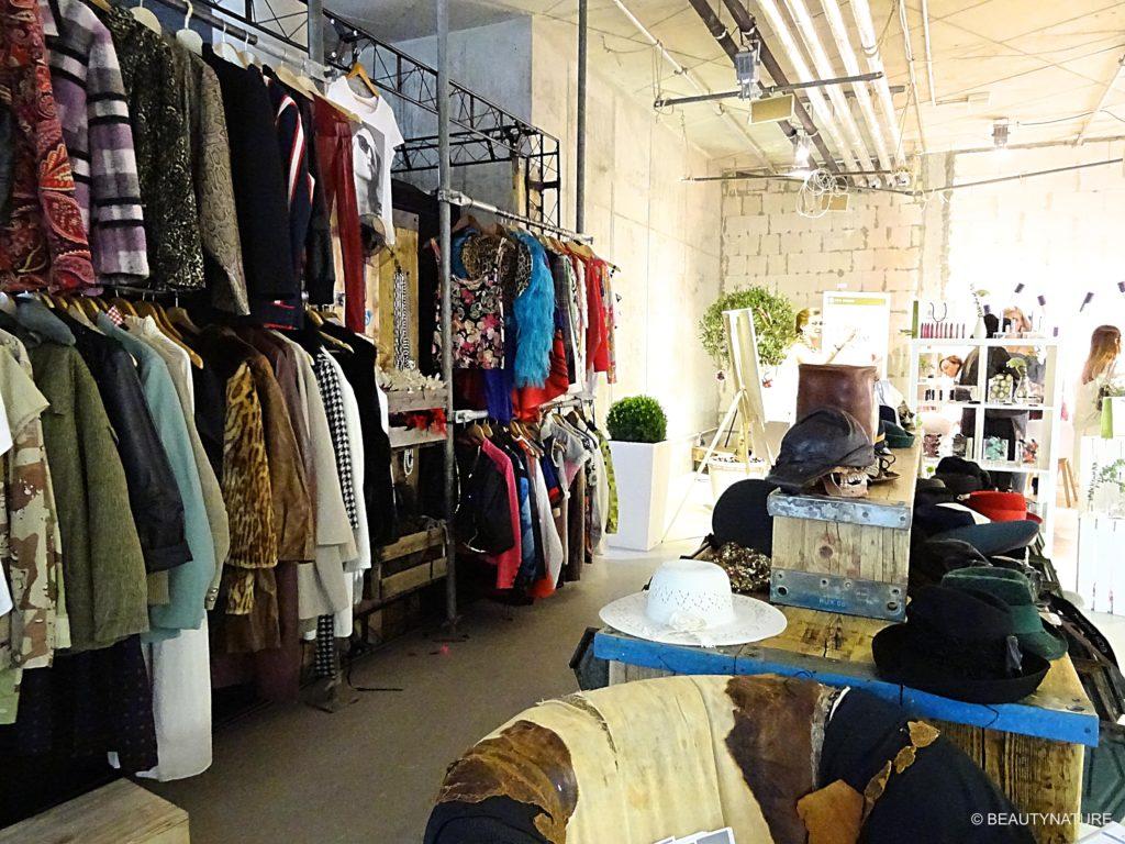 Fashion Blogger Cafe 8-min