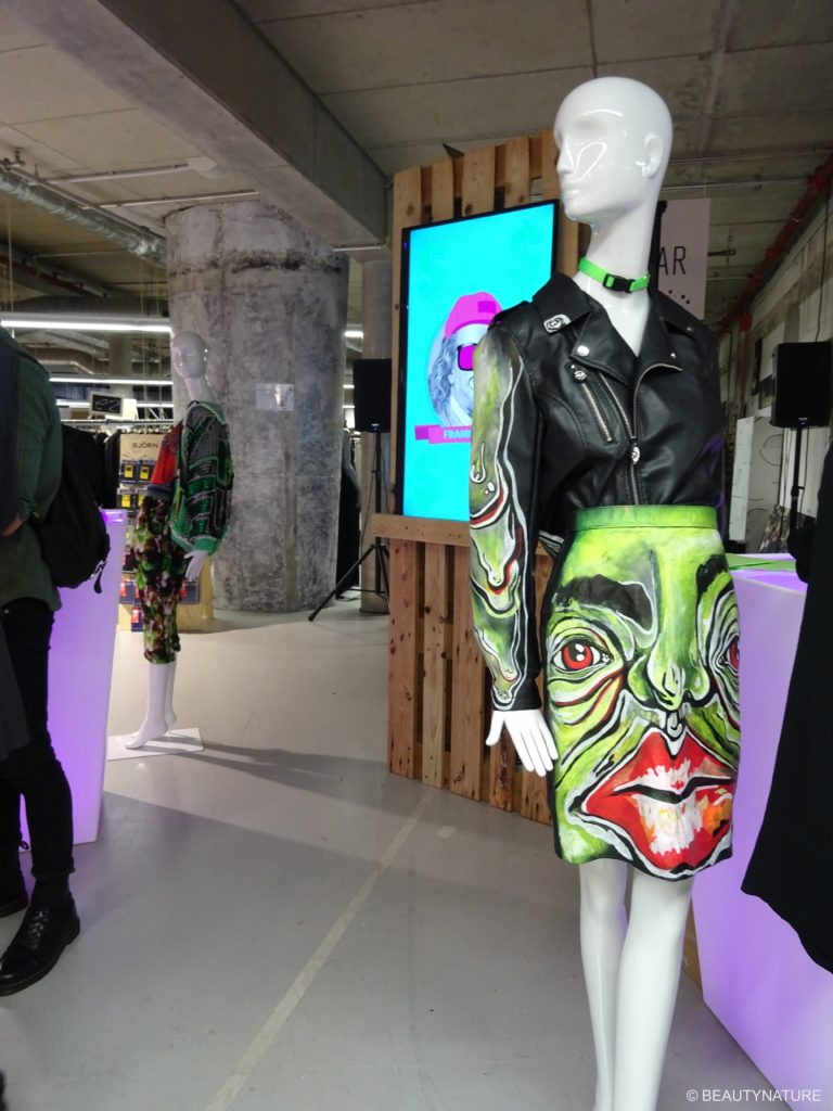 Fashion Blogger Cafe 9-min