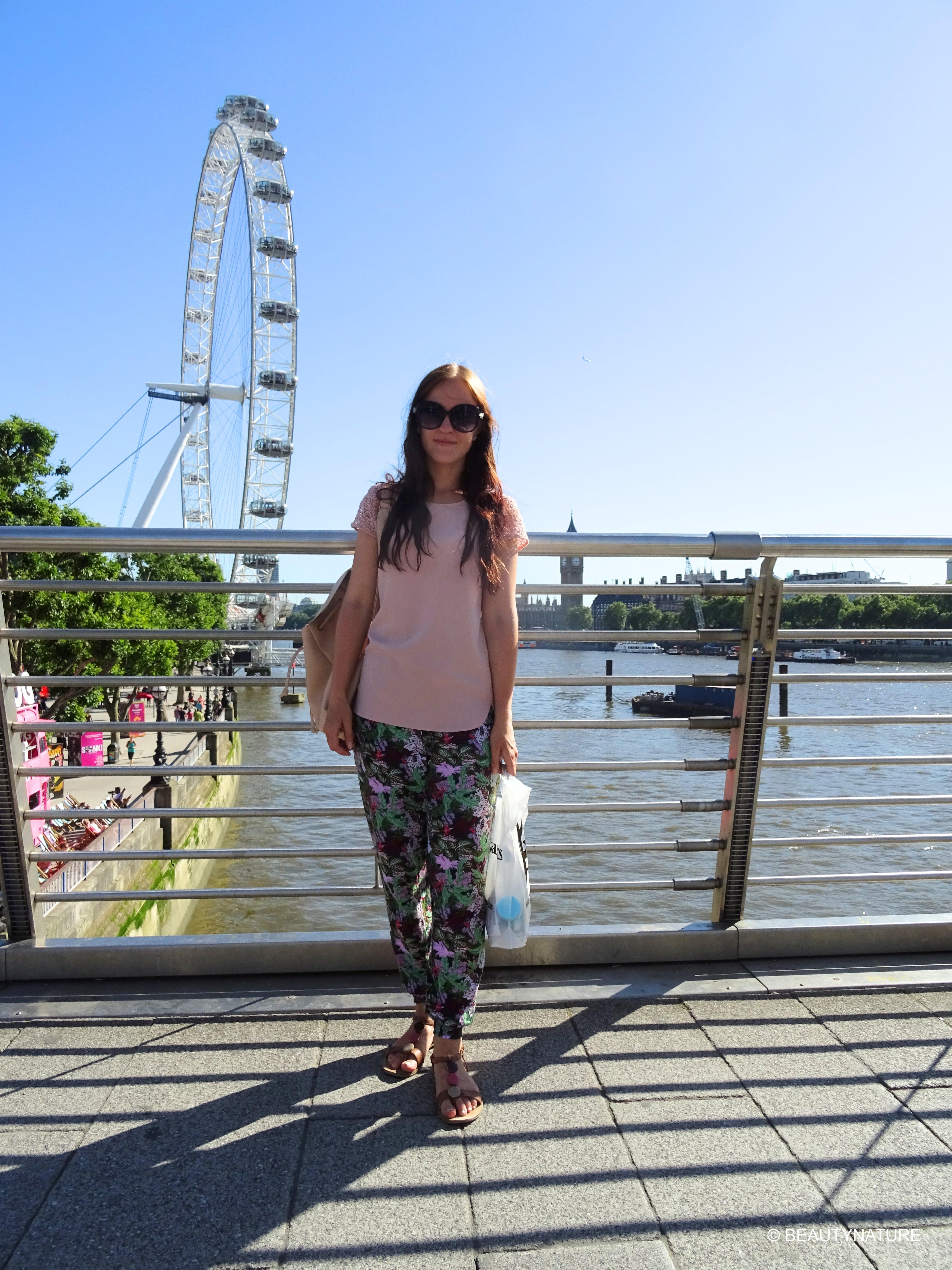Me London-min