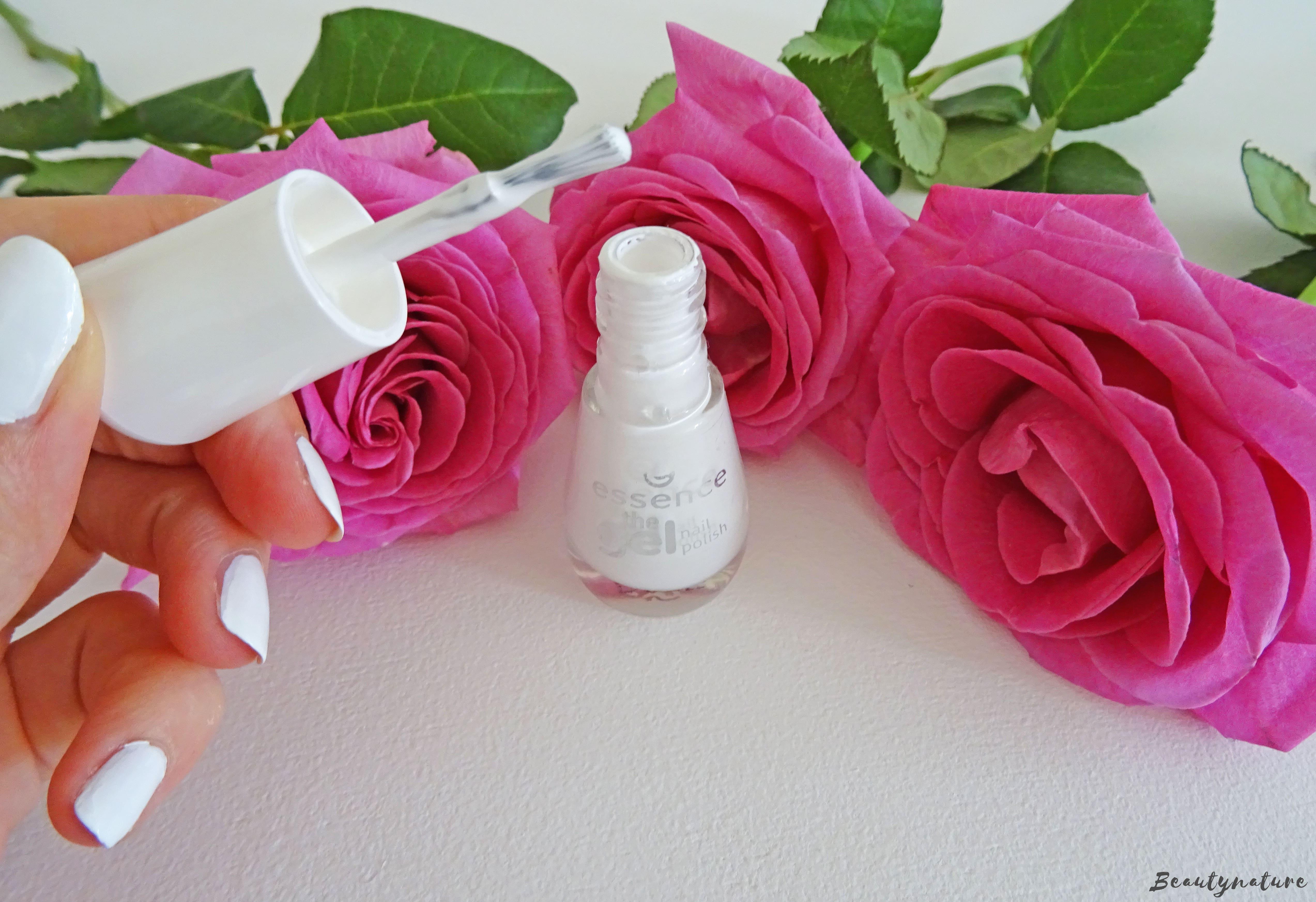Essence the gel nailpolish - wild white ways