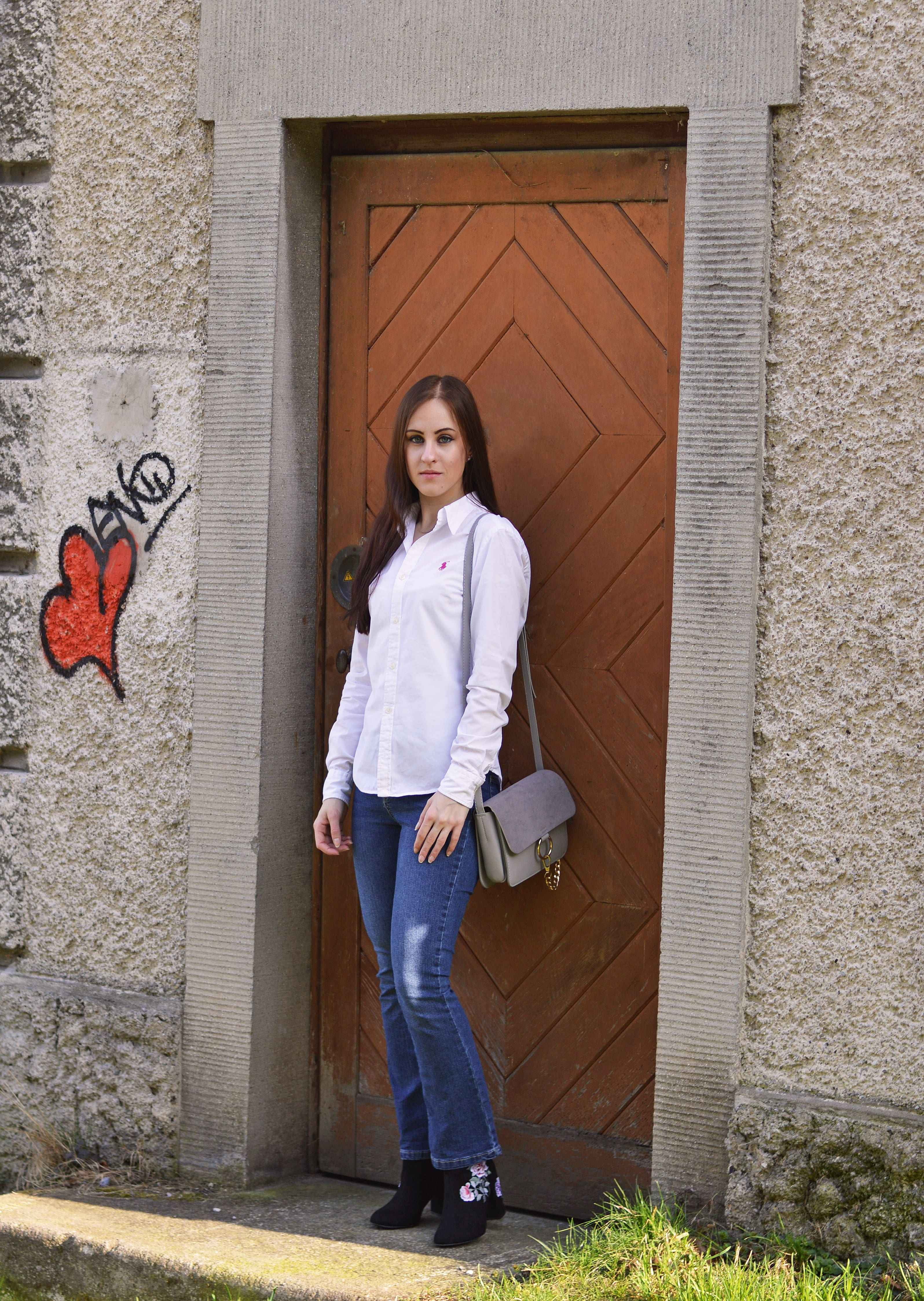 embroidered trend outfit