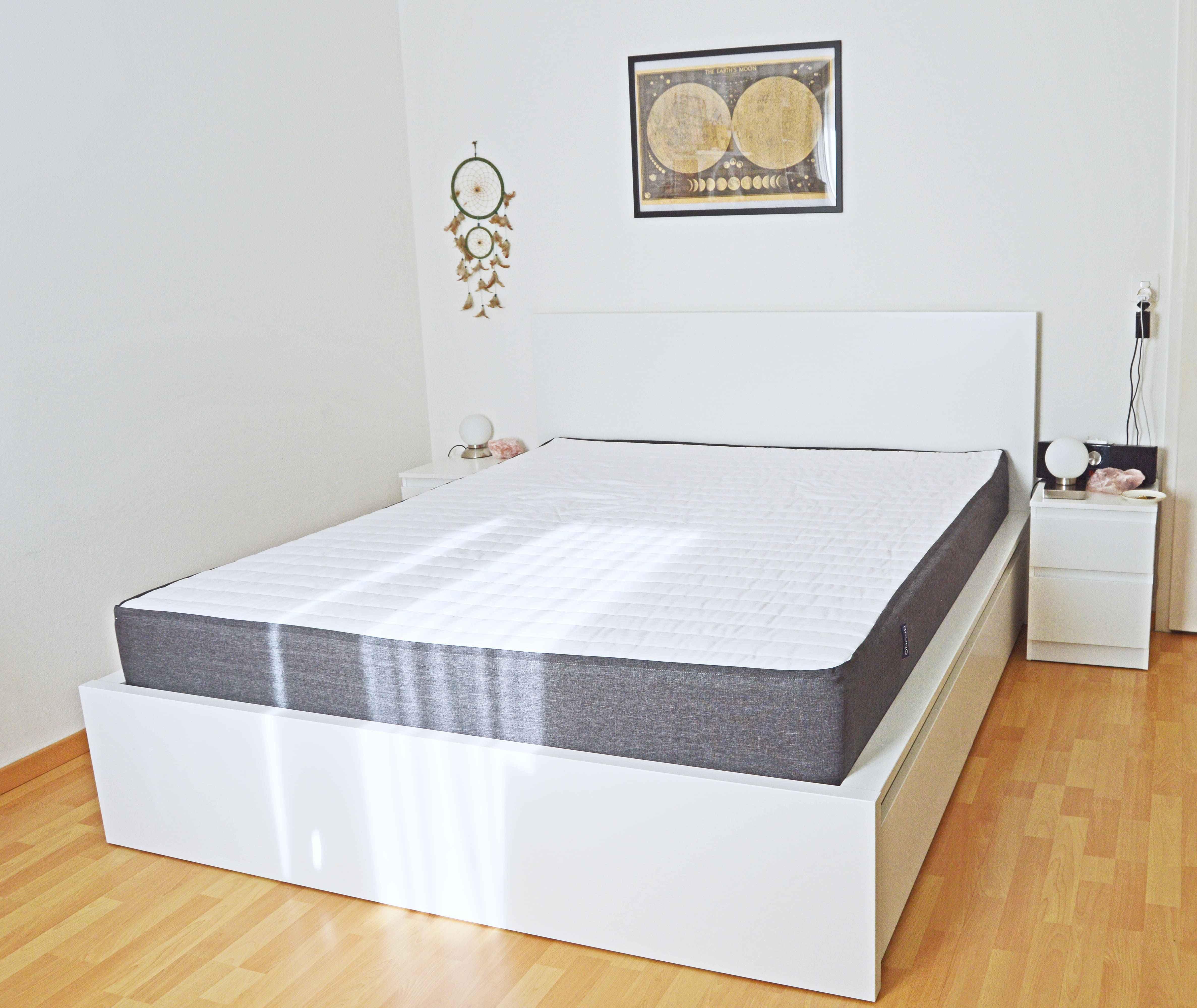 bett aus karton babz x paar unterbett unter bett schuhe. Black Bedroom Furniture Sets. Home Design Ideas