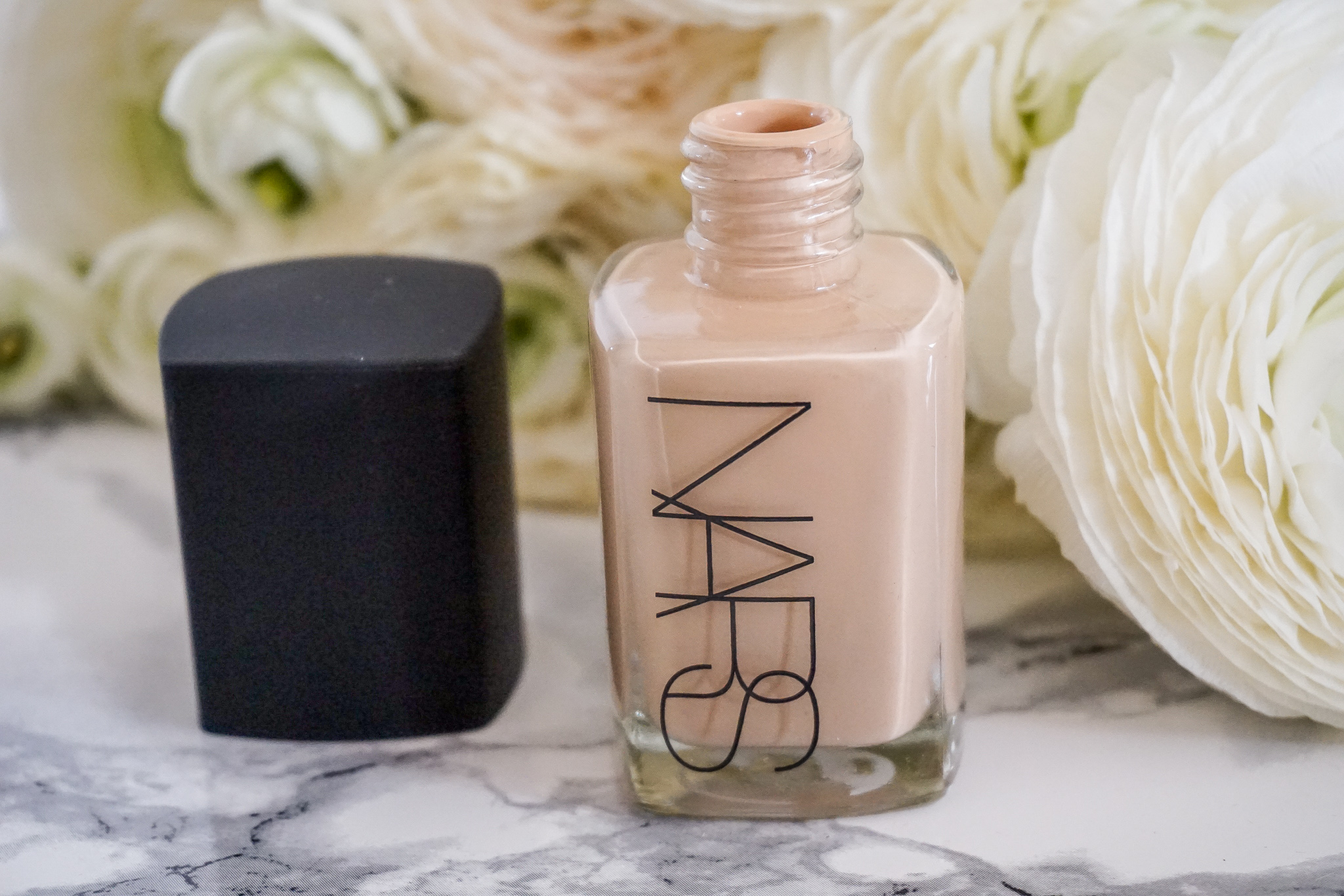 Sheer Glow Foundation NARS